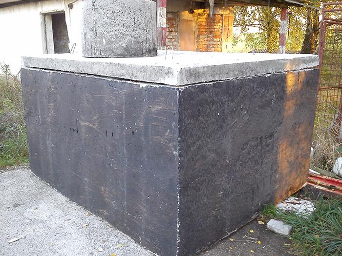 Postup uloženia betónovej žumpy